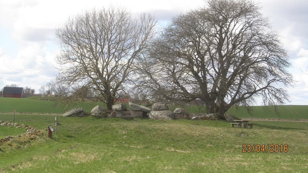 Ragnvalds grav i Karleby
