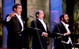 From left: Placido Domingo, Jose Carreras and Luciano Pavarotti perform July 16 at the Encore of the Three Tenors at Dodger Stadium in Los Angeles - RTXFA5Q
