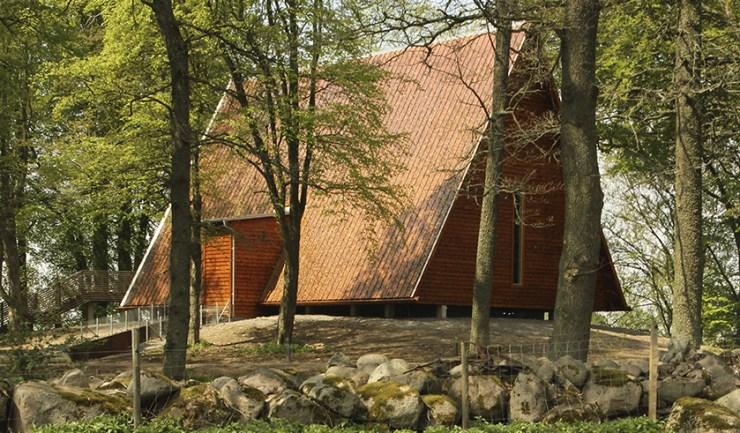 Kata Gård i Varnhem och Västergötlands Museum i Skara.